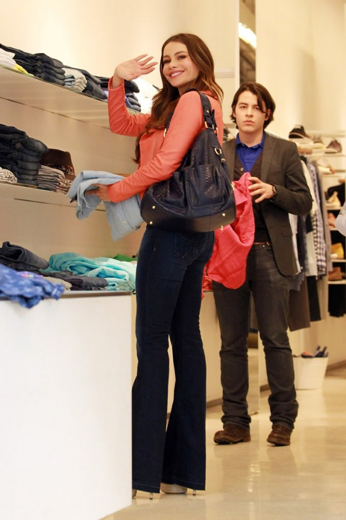 Sofia Vergara shops at ScoopNYC in her Habitual Hayworth flare jeans.