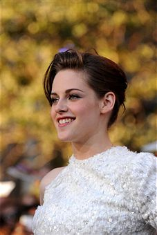 Kristen Stewart Easy Summer Hairstyle
