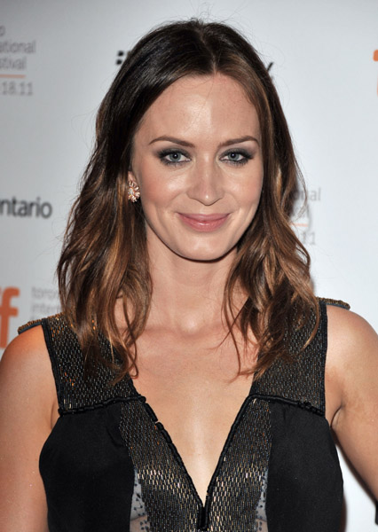 Emily Blunt wears Sethi Couture 18 K Pink and White Diamond Flower Earrings, Retail: $3800, www.SethiCouture.com