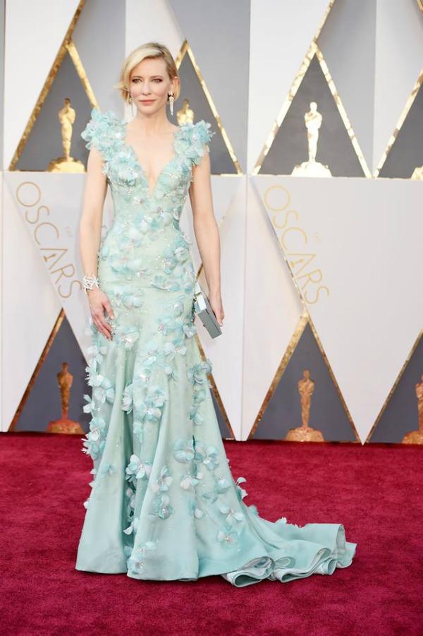 Cate-Blanchett-Armani-Oscars-Textured-Bob-Hair-Inspiration