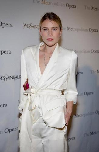 Dree-Hemingway-YSL-Met-Bianca-White-Suit