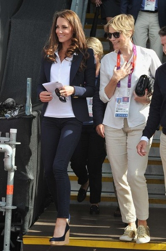 Kate-Middleton-Celebrity-Jeans-Sexy-Style