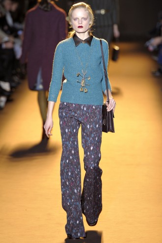 Rochas-Fall-2012-Flared-Runway