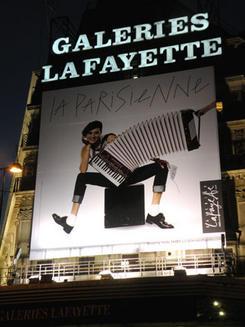 Tres-French-Chic-Store-Windows-Approved-by-La-Parisienne-Ines-de-la-Fressange_feature_article