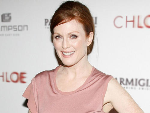 Julianne Moore in a soft rosy color that compliments her pale complexion