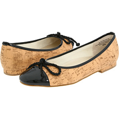 The ANNIE CYBIL is a fashionable and affordable take on a classic cap toe flat!
