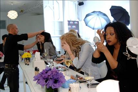 Everyone got to get their glam on...