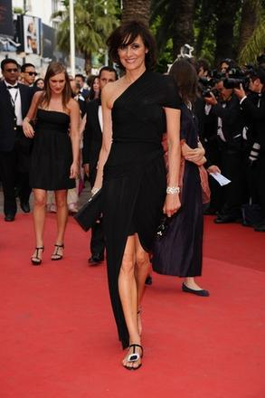 ageless appeal, just look at 50-something Ines De La Fressange who looked effortlessly chic in Carven