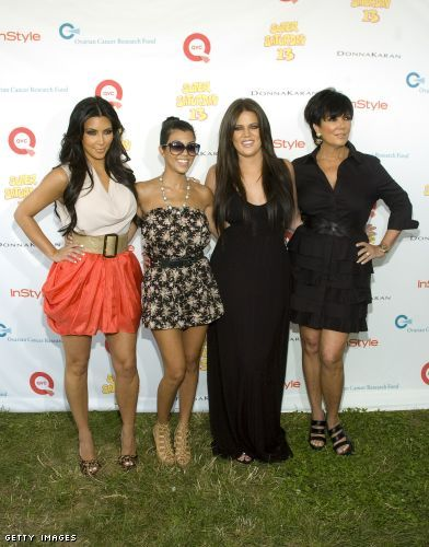 Kardashioan-a-poolooza! im Kardashian, Kourtney Kardashian, Khloe Kardashian and Kris Jenner at Super Saturday