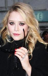 How to get those smokey eyes like Mary-Kate Olsen