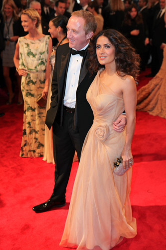 Salma Hayek wearing Alexander McQueen Peach organza Rose dress (couture) Samurai sandals (Pre SS11) Clear Perspex clutch (SS11)