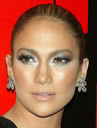 Smouldering gray eyes on Jennifer Lopez