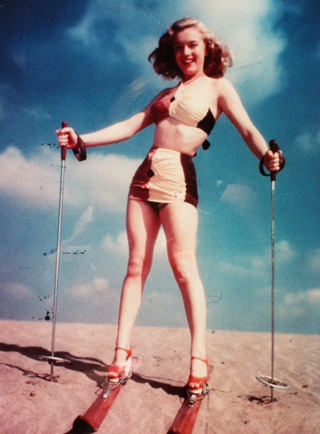 The color-blocking of Marilyn Monroe's swimsuit looks so fresh to me now.