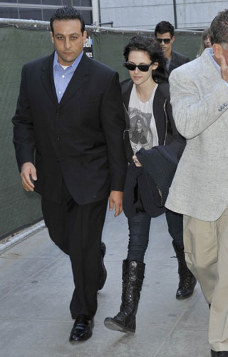 Kristen Stewart wearing Burberry at LAX, November 200
